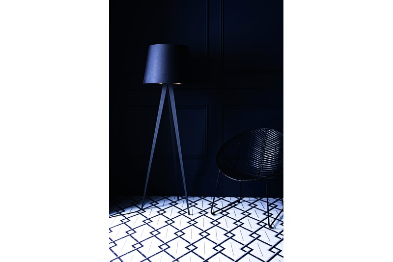 Hexagon with woven style blue in situ